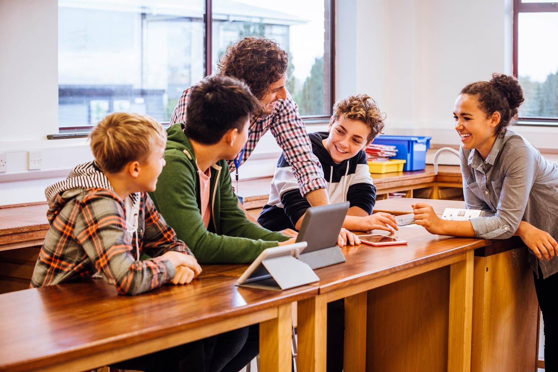 Personalizar la programación docente puede parecer muy complejo, pero basta hacerlo un par de veces para acostumbrarnos. Así ofreces un aprendizaje más sólido y diversificado: todo integrante de la clase se sentirá incluido.
