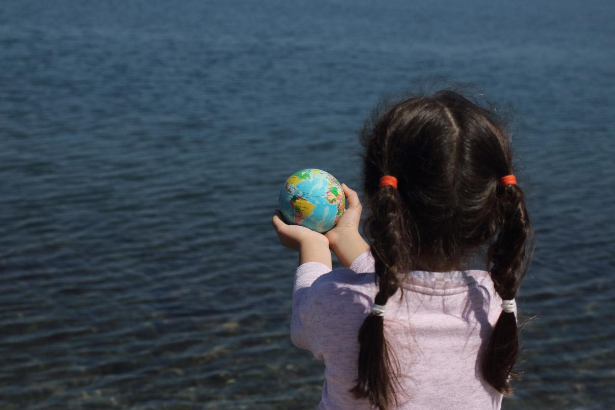 Enseñar a cuidar el planeta es fundamental para nuestro futuro como sociedad.