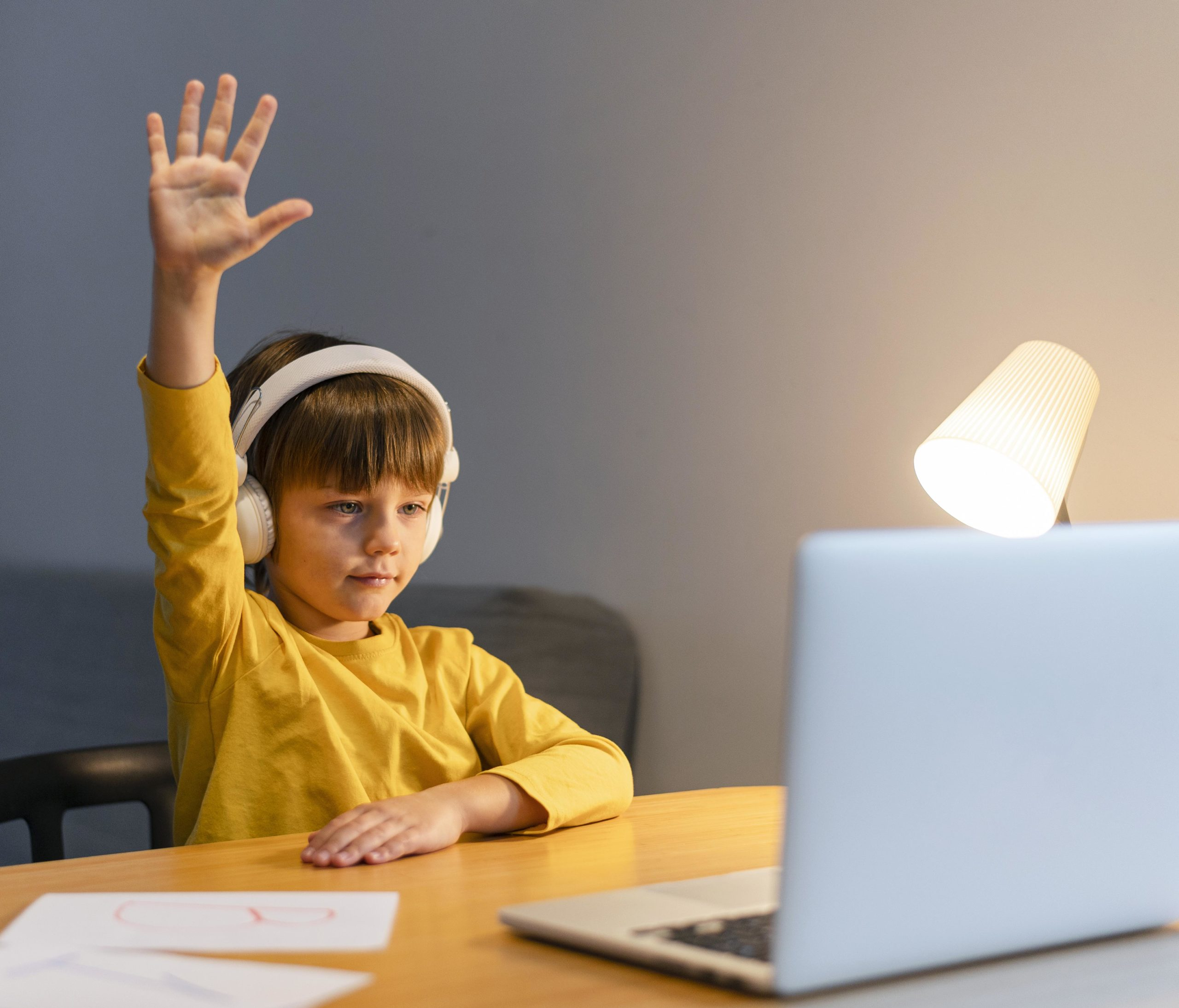 Conseguir que los alumnos, además de participar, generen curiosidad, es dar un paso más en la educación.